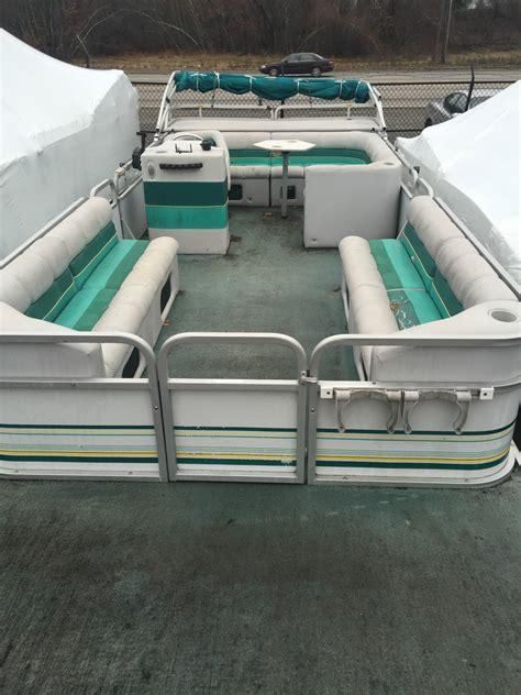 manitou  pontoon   sale   boats