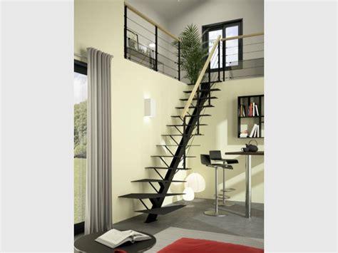 Escalier En Metal Interieur Am 233 Nagement Int 233 Rieur Des Escaliers Totalement Invisibles