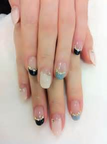 Nail art on korean nails chic and line