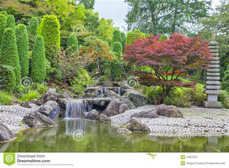 Japanischer Garten Bonn Preise by Kaskadenwasserfall Im Japanischen Garten In Bonn Stockbild