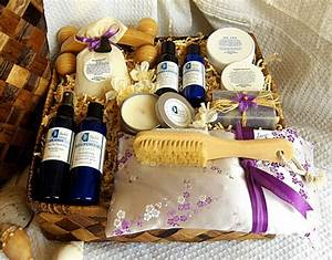 Christmas gift basket ideas – a perfect gift for friends ...