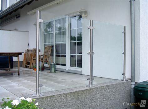 glasschiebewand für terrasse als windschutz glaszaun transvent als sichtschutz im garten glasprofi24