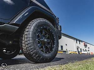 2014 Jeep Wrangler 18x9 Fuel Offroad Wheels 27570R18