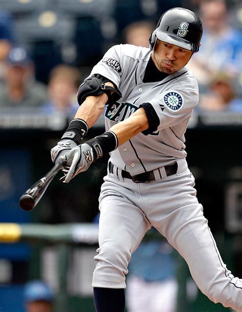 Ichiro Suzuki Trade by Mariners Trade Ichiro Suzuki To New York Yankees Knkx