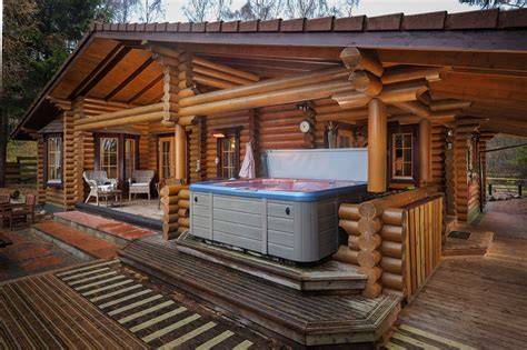 Log Cabin Tub by Log Cabins With Tubs Visit Beaver Creek Lodge