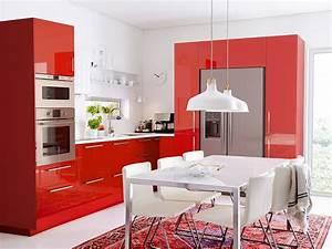 Tapis Ikea Rouge : cuisine rouge 10 bonnes raisons de craquer marie claire maison ~ Teatrodelosmanantiales.com Idées de Décoration