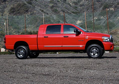 Dodge ram 1500 mega cab 4x4. Photos and comments. www