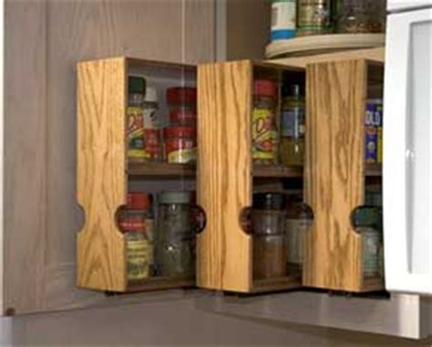 Diy Pull Out Spice Rack by The Runnerduck Spice Rack Plan Is Step By Step