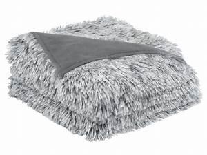 Plaid Ultra Doux : plaid 130x170 cm winter coloris gris vente de plaid et couverture conforama ~ Teatrodelosmanantiales.com Idées de Décoration