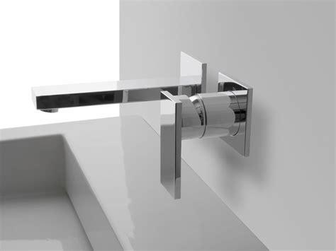 rubinetto a muro solar rubinetto per lavabo a muro by graff europe west
