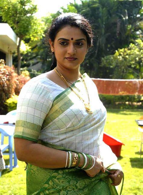 Pavitra Lokesh Good Evening Facebook