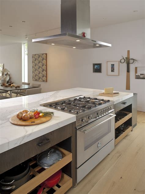 kitchen island with range top houston tx bertazzoni 36 quot 5 burner professional series 8263