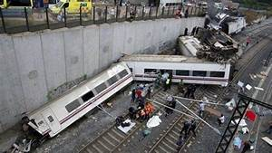 Train à L Arrivée : d raillement d 39 un train en espagne l 39 accident mortel de saint jacques de compostelle caus par ~ Medecine-chirurgie-esthetiques.com Avis de Voitures