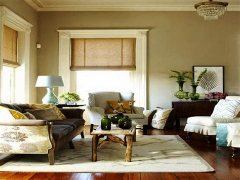 Romantic Style Living Room With Neutral Interior Wall