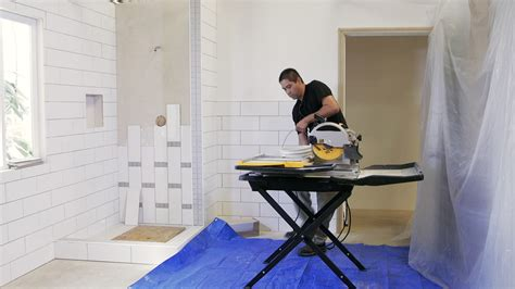 the best dustless tile saw for contractors cut tile with