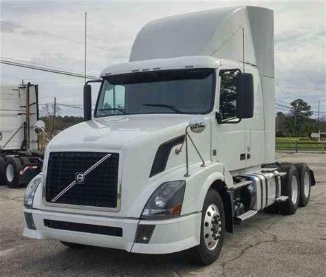 2012 volvo big rig volvo vnl64t430 2012 sleeper semi trucks