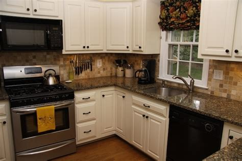 kitchen cabinet refacers 1000 images about cabinet refacing on 2711