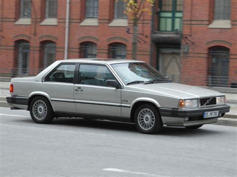 Volvo 780 Bertone Car Technical Data. Car Specifications