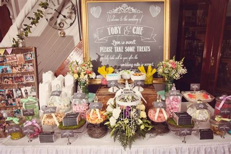 Vintage Wedding Centerpieces Without Flowers
