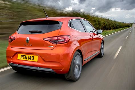 Renault Clio Review (2021) | Parkers