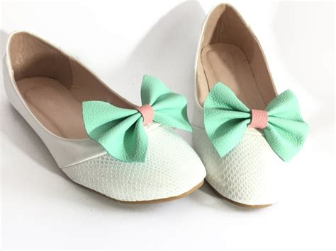 13 Wedding Shoe Clips To Turn Your Cheap Payless Shoes