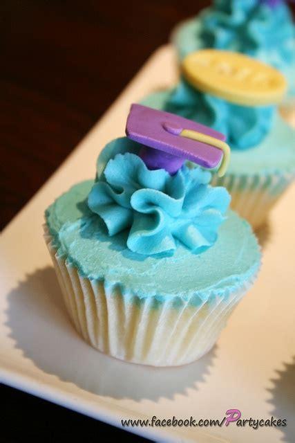 images  graduation cupcakes  pinterest