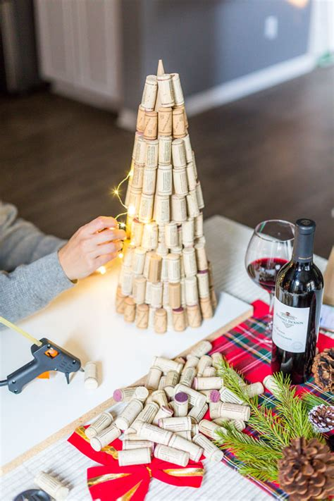 DIY Wine Cork Christmas Tree   Kendall-Jackson