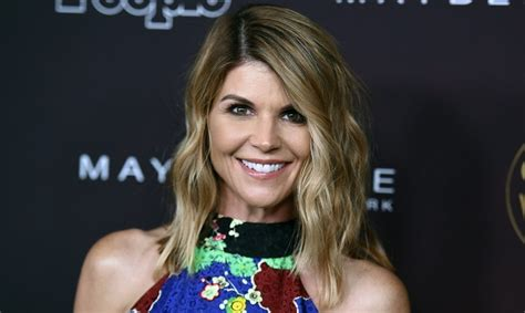 This Is How Lori Loughlin Discovered That She Is Going To ...