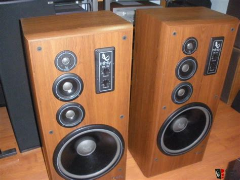 infinity sm  photo  canuck audio mart