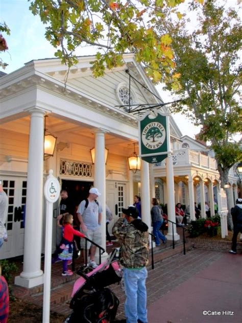 guest review dinner  liberty tree tavern  disneys magic kingdom