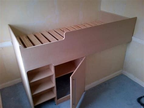 Cabin Bed Over Stair Box