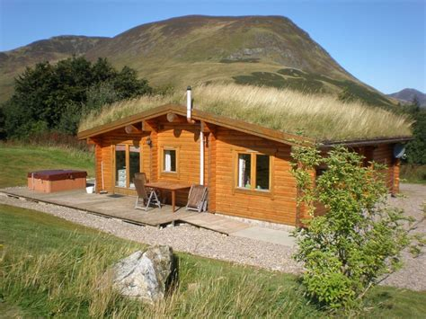 Log Cabin With Hot Tub & Sauna For 4/5