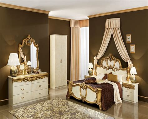 Bedroom Decorating Ideas Brown And Gold by Gold Bedroom Decorating Ideas Furnitureteams