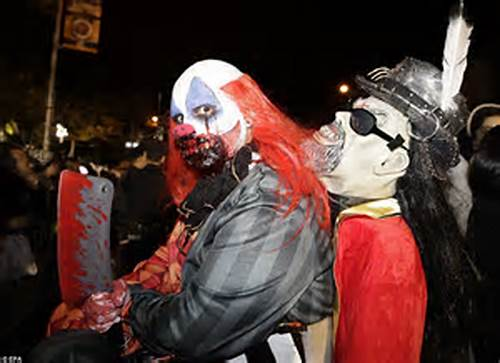 Four Heads Were Way Better Than One #New #York #Halloween #Parade #Shows #Off #The #City'S #Scary #Side