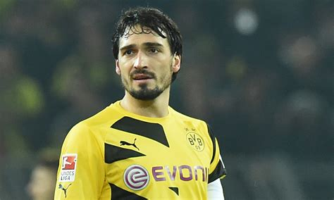 Born 16 december 1988) is a german professional footballer who plays as a centre back for bundesliga club borussia dortmund and the. Mats Hummels Wallpaper