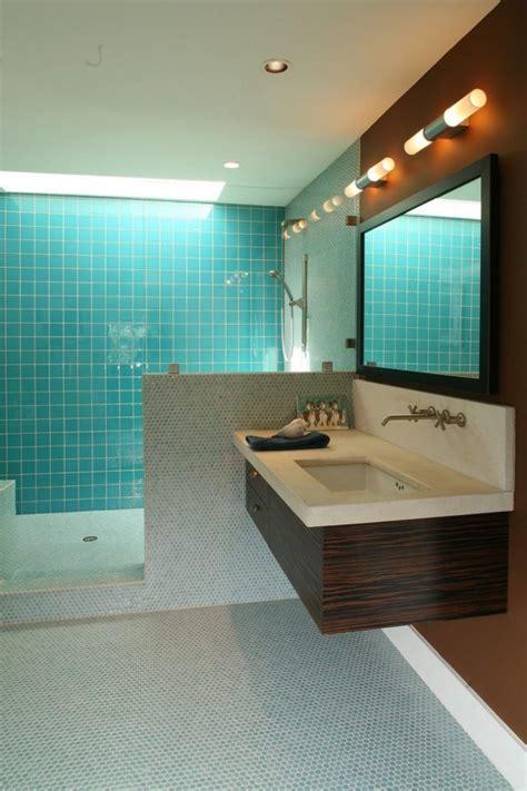 Modernes Badezimmer Glas Fliesen Hellblau Mosaik