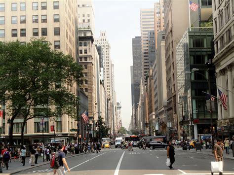 avenue  york   expensive shopping street
