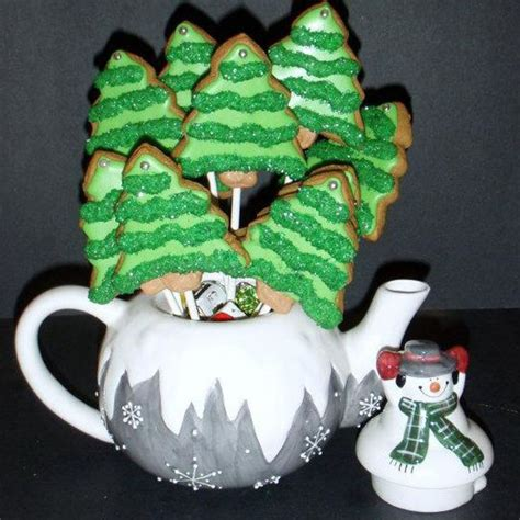 decorated sugar cookie christmas tree pops cakecentral com