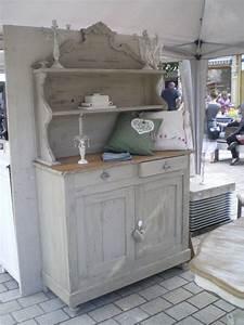 Repeindre Un Meuble En Chene Fonce En Blanc Patiné : les 25 meilleures id es de la cat gorie vieux vaisseliers ~ Dailycaller-alerts.com Idées de Décoration