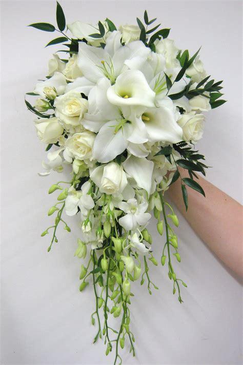 wedding flower bouquets lancaster country club wedding buffalo wedding event flowers by lipinoga florist