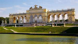 Schoenbrunn Palace in Vienna, Expedia