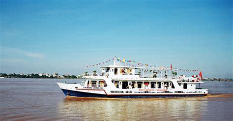 Boat Tour Hanoi by Boat Trip On River Hanoi 1 Day Tour