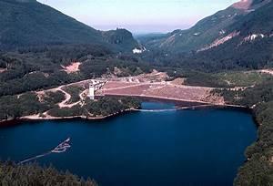Howard A  Hanson Dam