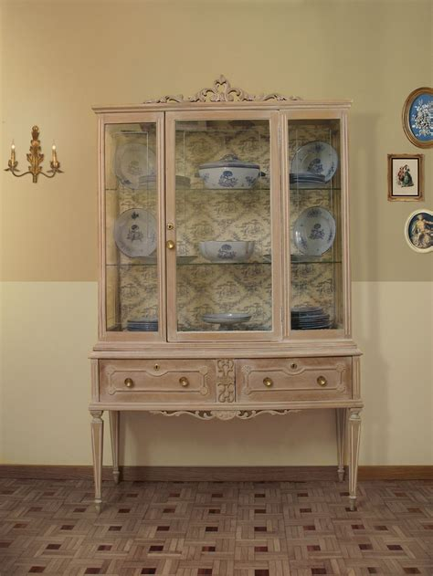 resultado de imagen  patina verde sobre madera vitrinas vintage restauracion de muebles