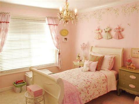 les chambres de l h e antique le style shabby chic pour la chambre de votre fille