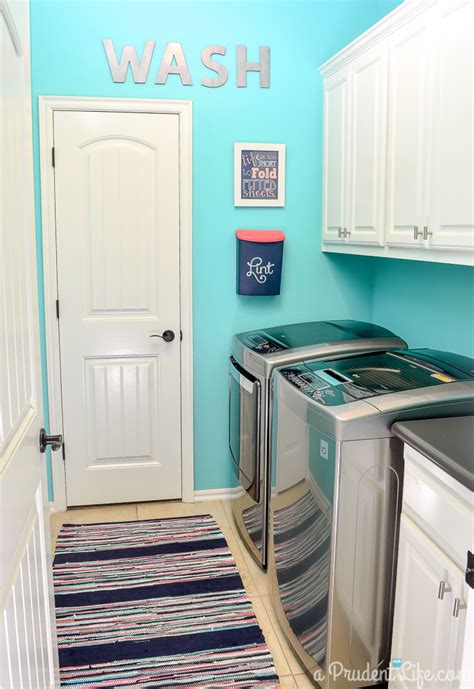 26+ Wonderful Best Color For Laundry Room Ideas