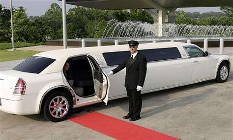 Car Rental Limo by Hummer Stretch Limousine In Dubai Is The Best Service