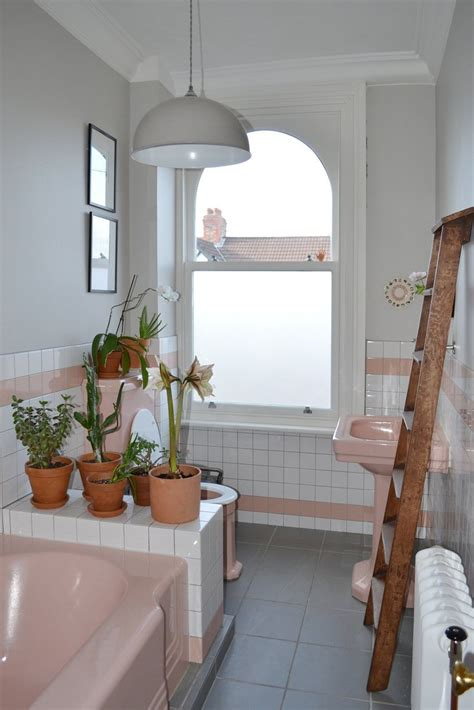 spectacularly pink bathrooms  bring retro style