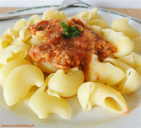 pate au thon chaud p 226 tes sauce au thon 224 la provencale de cuisine aux fourneaux