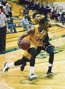 Losing Skid Hits Three for Men's Basketball | The Pioneer